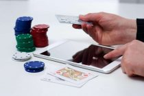 How is Online Casino Singapore different from Traditional Casino?
